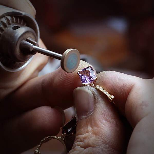 طلا و جواهر سازى